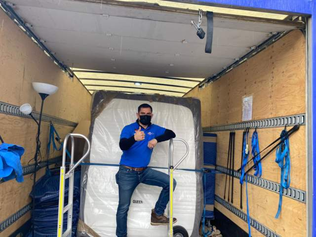Long-distance moving tips   Available movers in Toronto